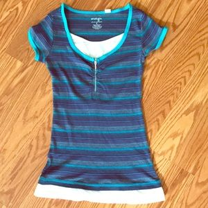 STRIPED LAYERED ZIPPER FRONT TEE NWOT